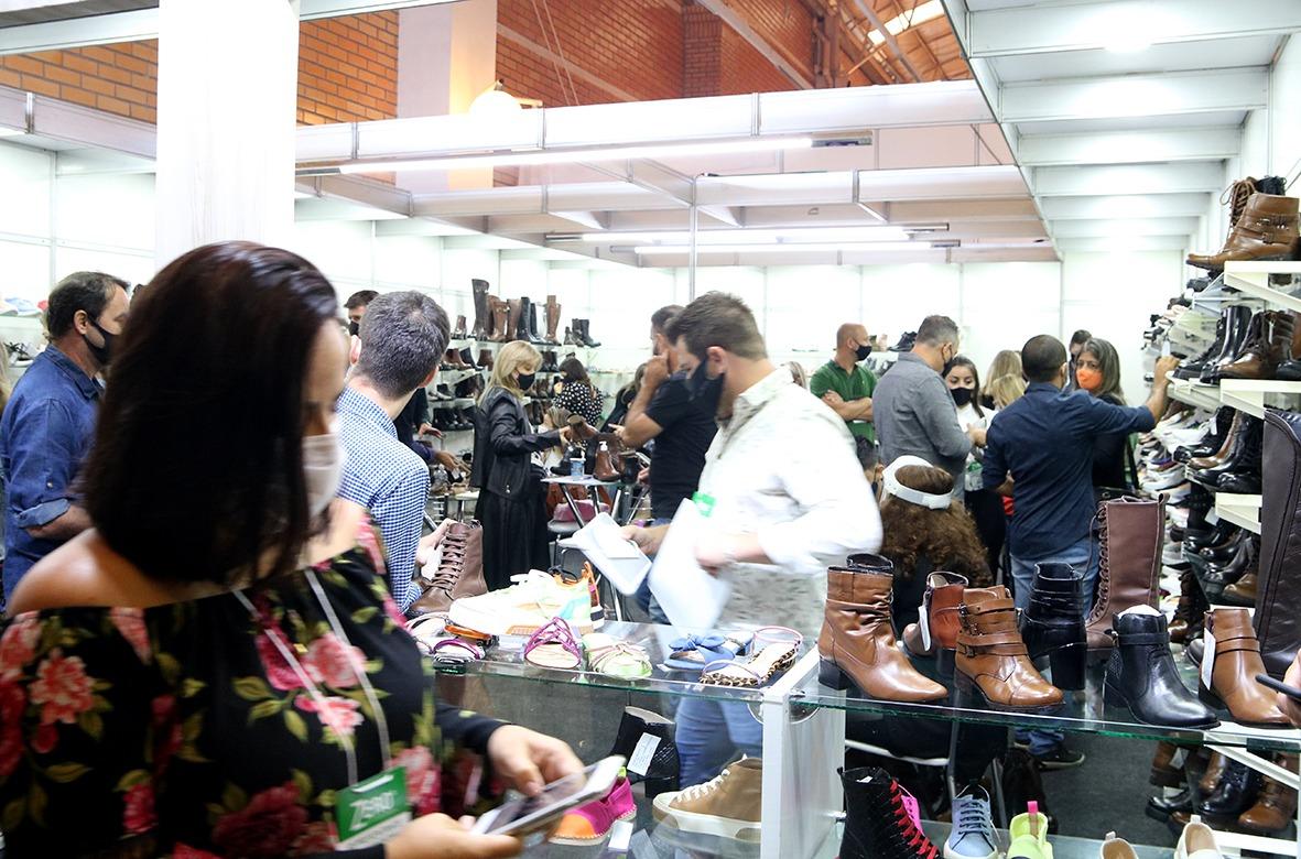 Três Coroas Shoes aposta em feira presencial para retomar crescimento